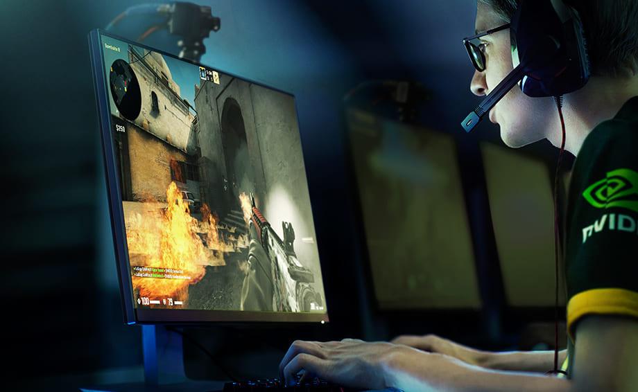 киберспортивный турнир, игра на мониторах с высокой частотой обновления экрана